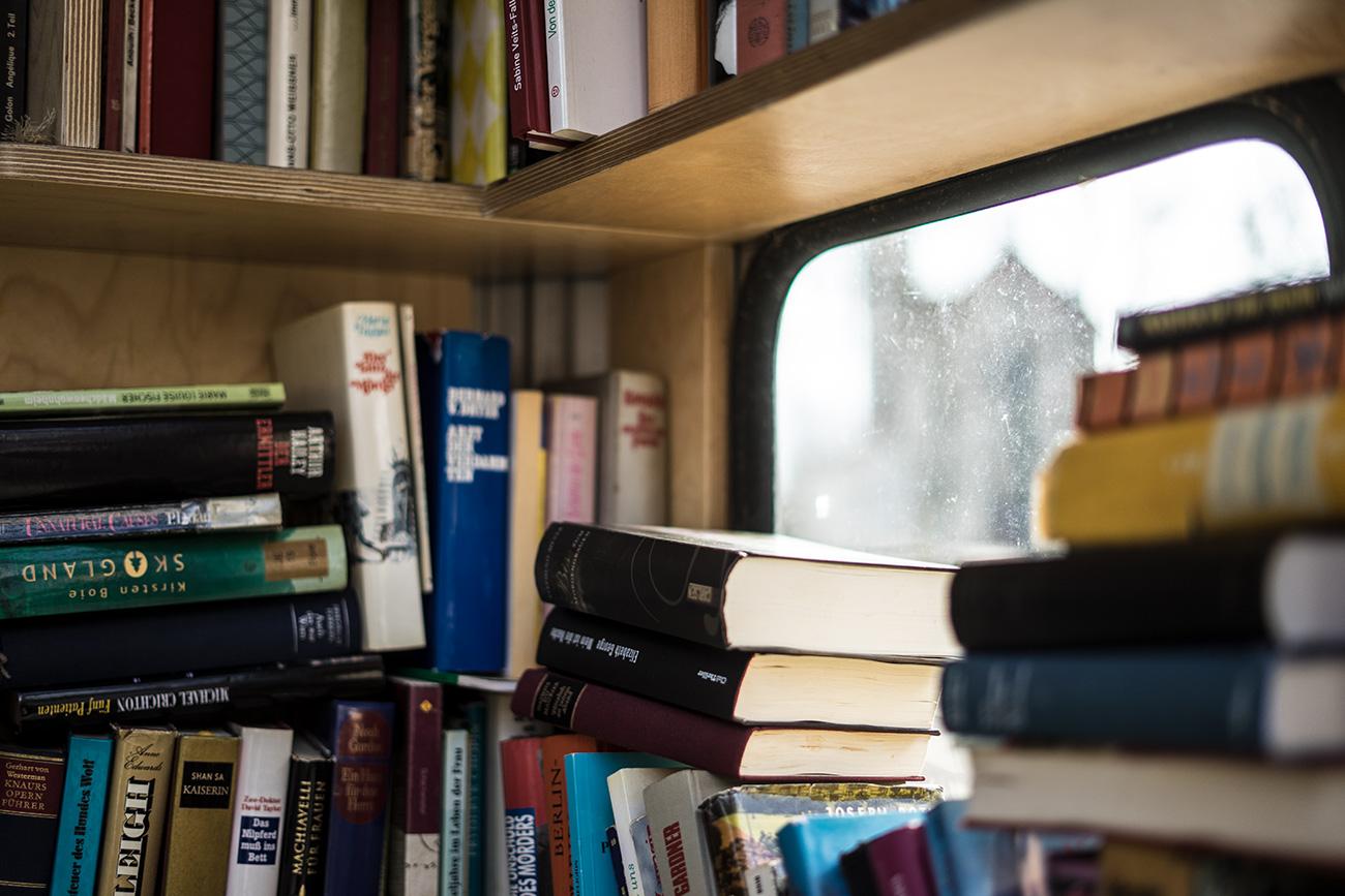 Bücher in der Tauschzelle Veronaplatz (c) STADTBEKANNT Zohmann