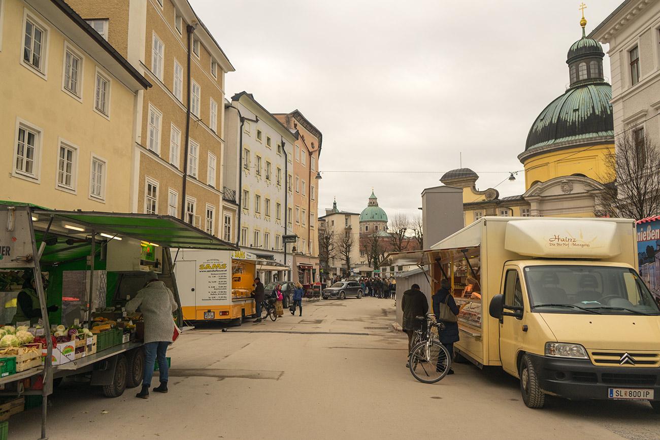 Bio-Bauernmarkt am Kajetanerplatz (c) STADTBEKANNT Zohmann