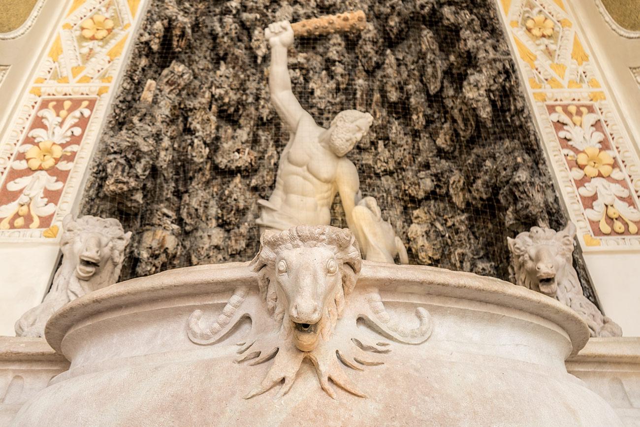 Herkulesbrunnen in der Alten Residenz (c) STADTBEKANNT Zohmann