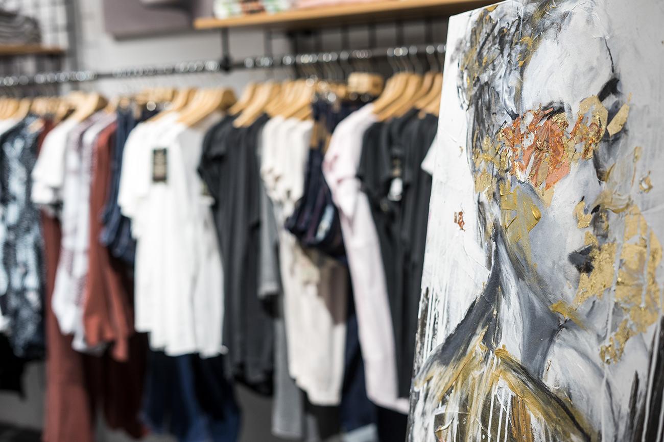 Organic Warehouse mit Kunstwerk von Sabrina di Castello (c) STADTBEKANNT Zohmann