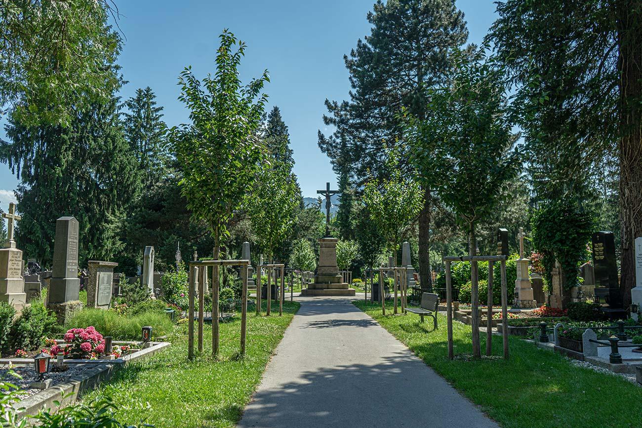 Kommunalfriedhof (c) STADTBEKANNT Zohmann