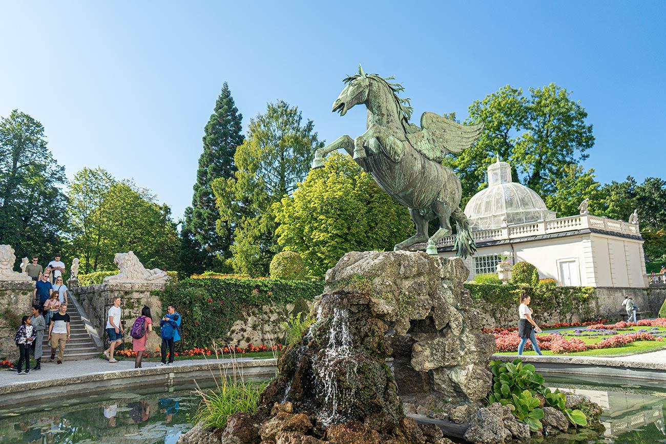 Pegasusbrunnen im Mirabellgarten (c) STADTBEKANNT Zohmann