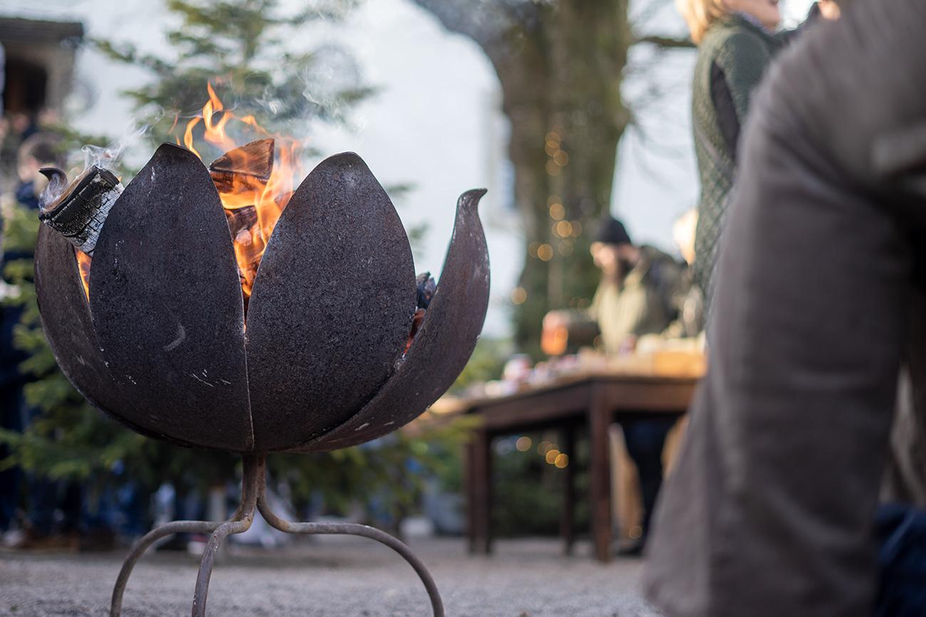 Feuerschale am Adventmarkt (c) STADTBEKANNT Zohmann