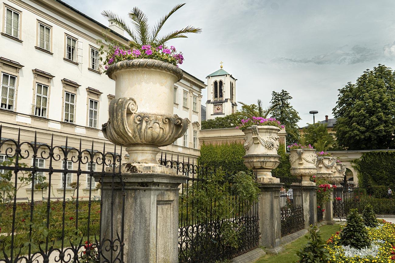 Kunstgehschichten im Mirabellgarten (c) STADTBEKANNT Zohmann